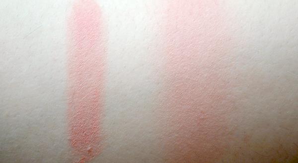Illamasqua velvet blusher in Flirtatious swatch