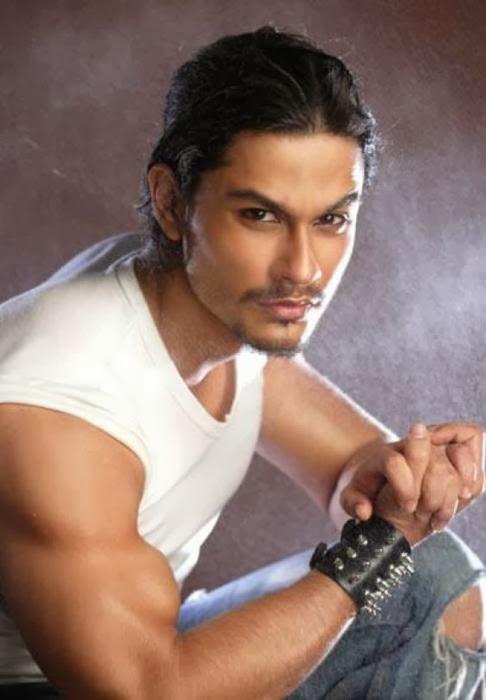Hot Body Shirtless Indian Bollywood Model & Actor: Kunal Khemu