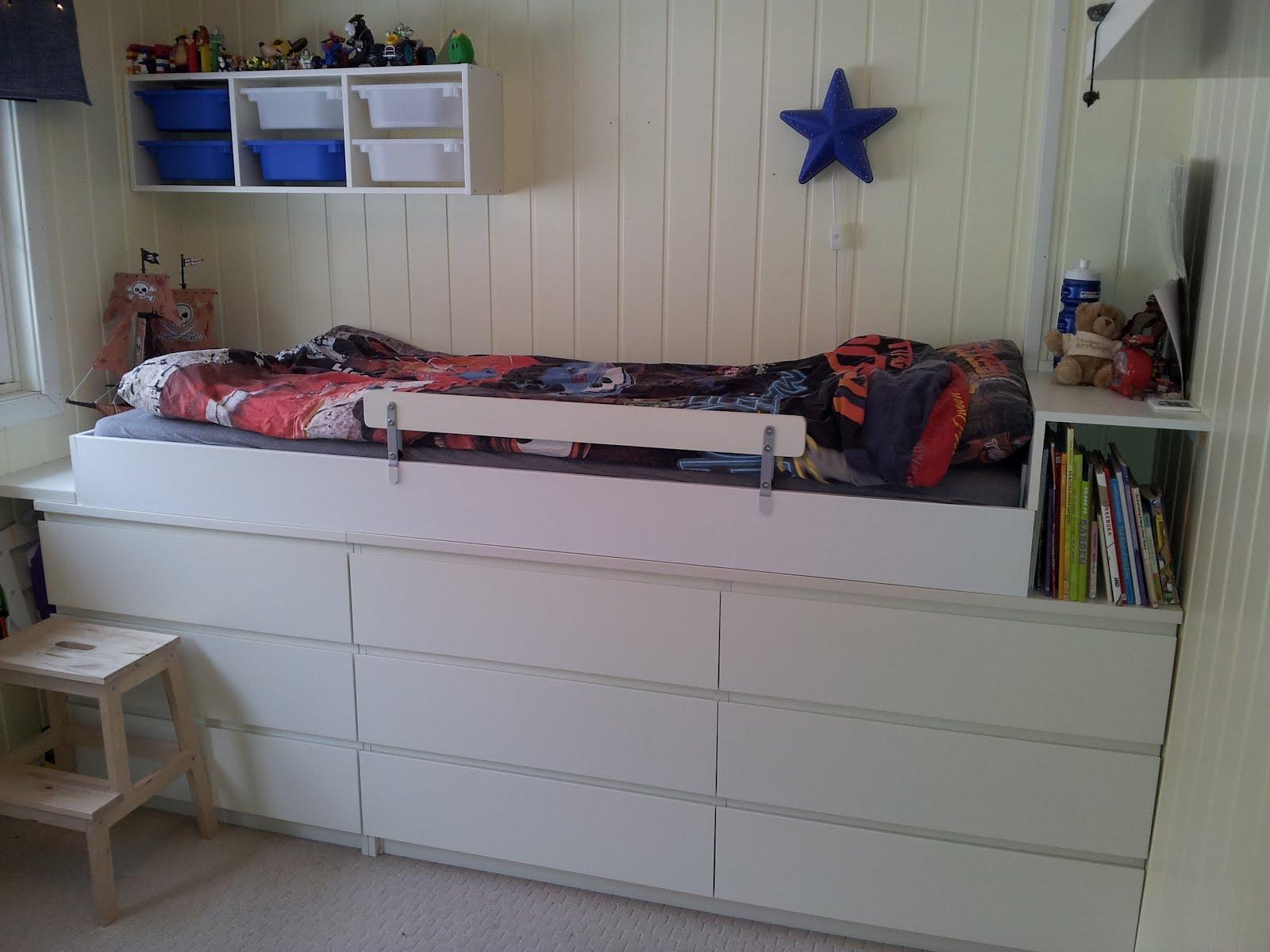 seng madrass med oppbevaring