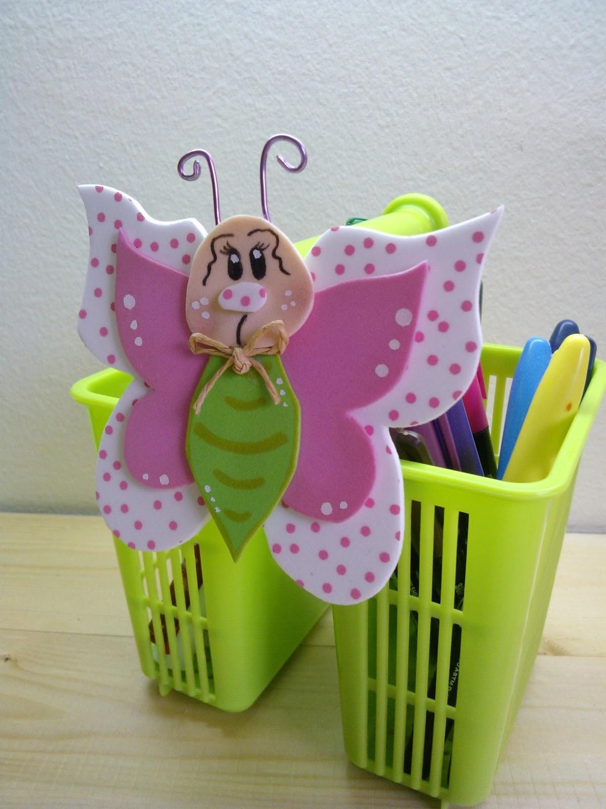 Cucadas de mami decoraci n mariposa - Decorar paredes infantiles con goma eva ...