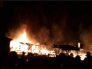 Pondok terbakar
