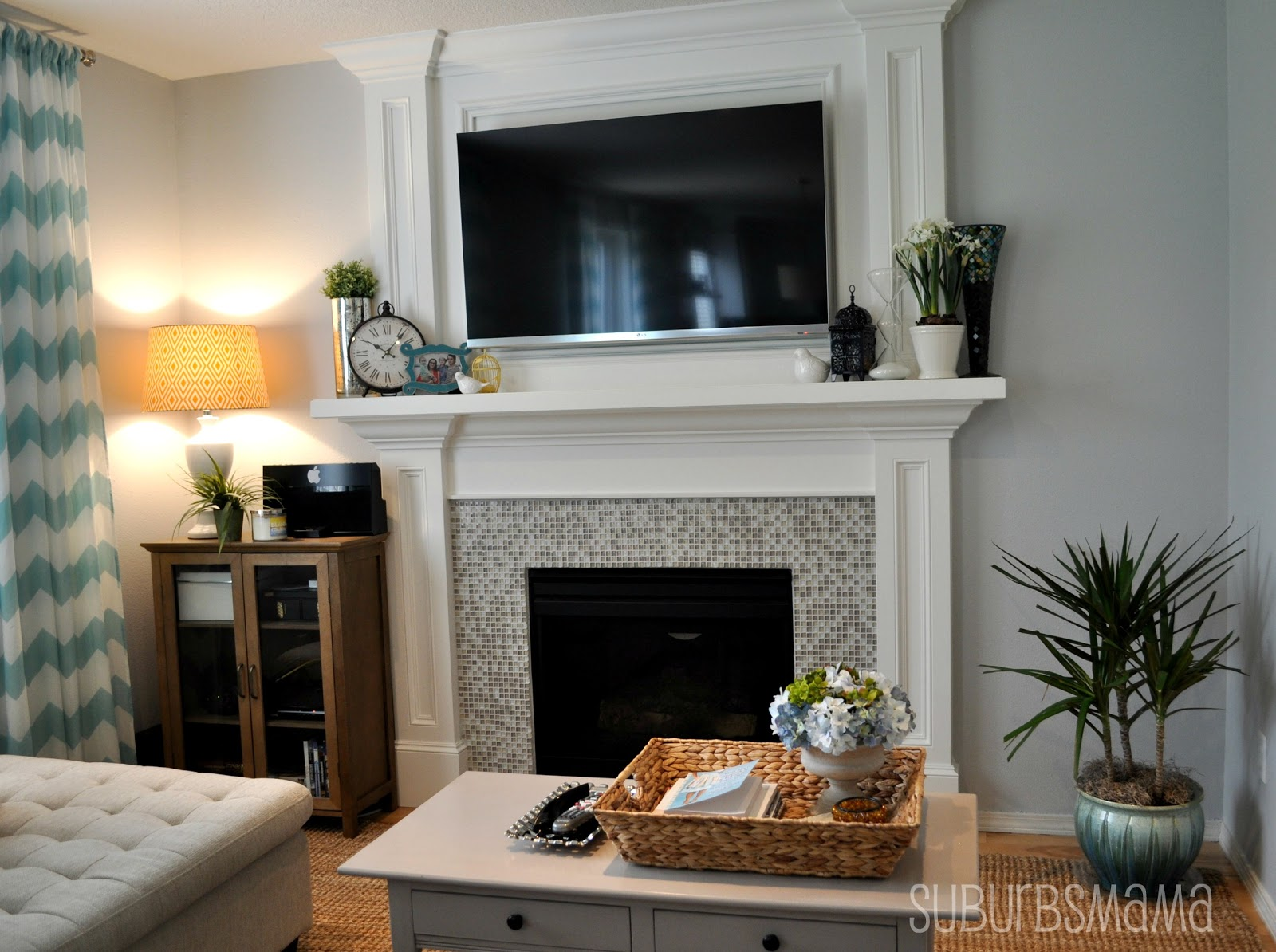 Suburbs Mama Family Room Updated