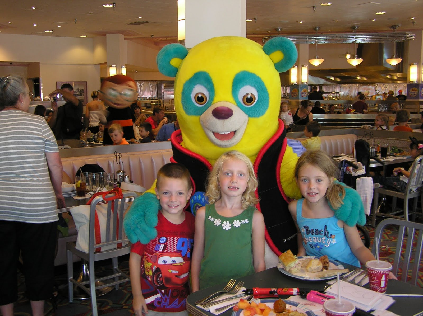 Disney character collection the playhouse disney character meal at lunch we met june and leo of the little einsteins handy manny and agent oso who doesnt do meet and greets kristyandbryce Choice Image