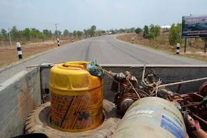 Автостоп в Лаосе. Долгий путь в город Тхакхэк