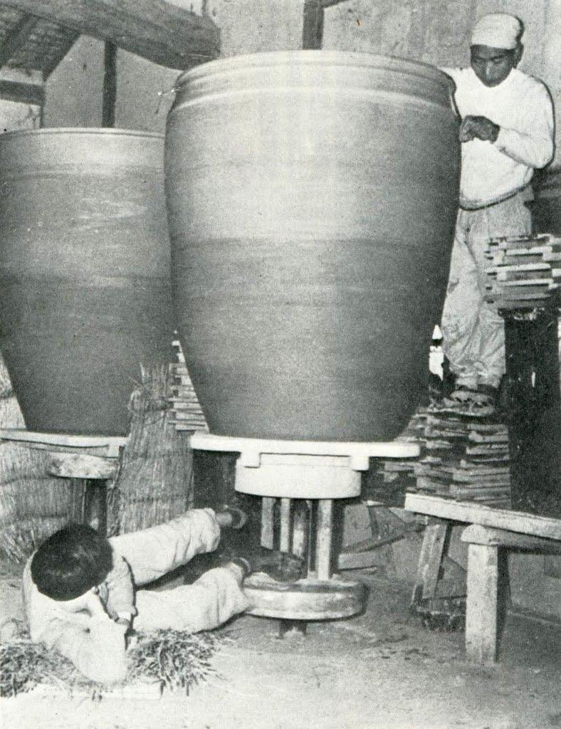 Ars cretariae archeoceramique fabriquer un dolium tourn - Fabriquer un tour de potier ...