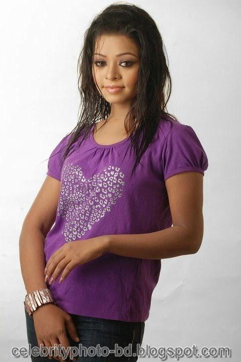 Anjelika+Rahman+Latest+Hot's+Show+In+Skirts+And+Tops+Dress006