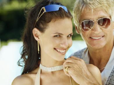 older-man-younger-woman - أمور احذريها قبل الإرتباط برجل أكبر منك سنا - رجل عجوز مسن امرأة فتاة شابة