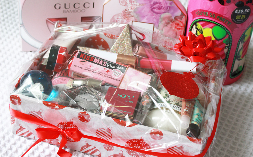 The black pearl blog uk beauty fashion and lifestyle blog when it comes to christmas presents diy beauty hampers are my speciality i just love putting together a bespoke selection of products for the recipient to solutioingenieria Choice Image