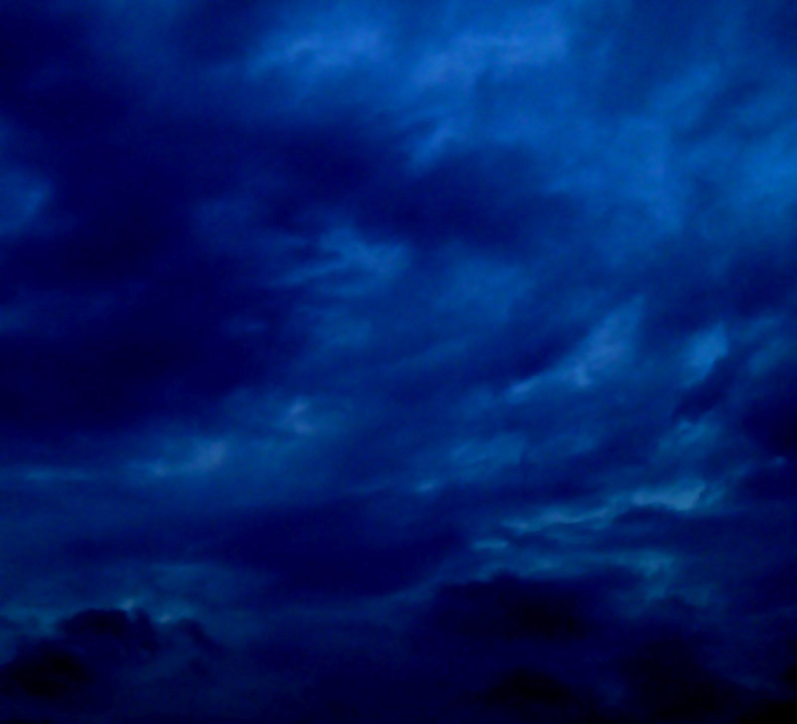 http://1.bp.blogspot.com/-x_YgW_p0wMs/T5Iz9UqTVSI/AAAAAAAAHsA/Rdn95kYBrPI/s1600/ciel-2-avril-2012.jpg