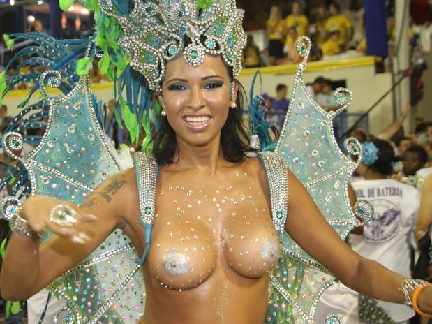 Madrugada Da Cidade Do Recife O Maior Bloco De Carnaval Mundo