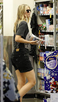 Tennis players, @ Maria Sharapova spotted out and about in Brisbane, Queensland