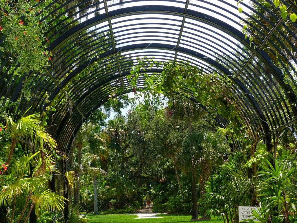 McKee Botanical Gardens entryway arch