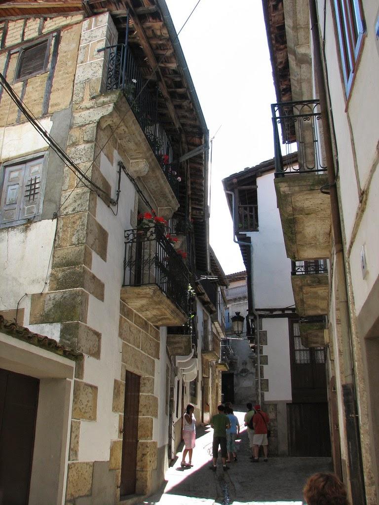 Candelario, un pueblo en cuesta