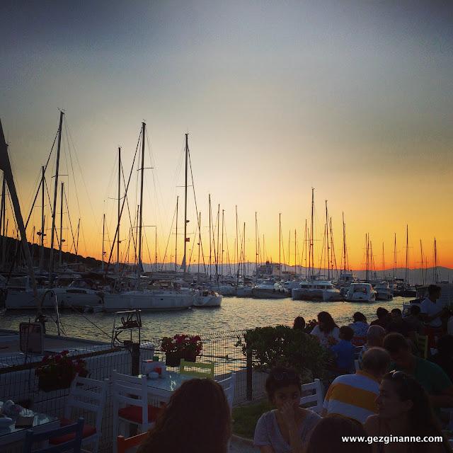 Çeşme Marina'da gün batımı