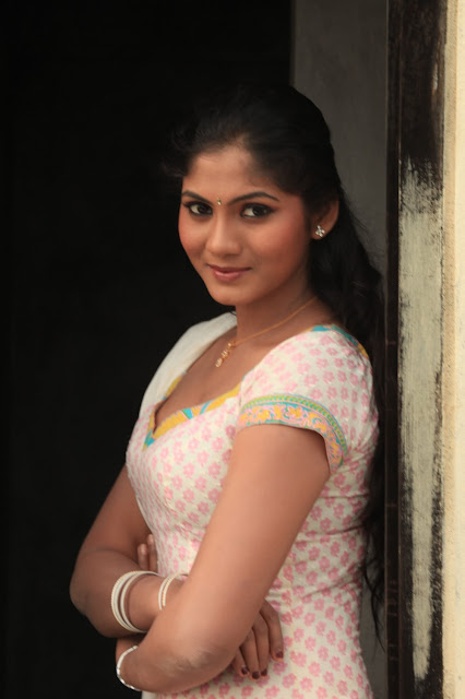 Actress Sruthi Reddy Glamorous Photos