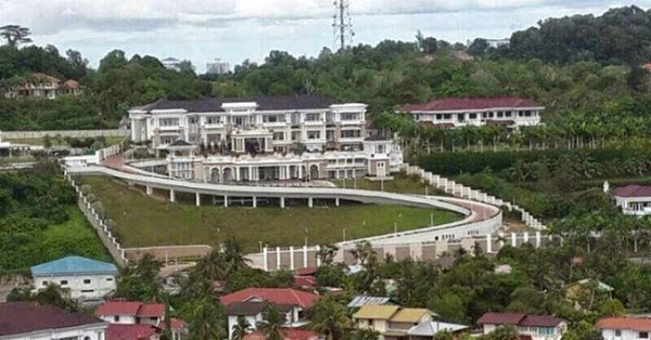 Pemilik Rumah Agam Indah Ini Ialah Orang Ke-35 Terkaya di Malaysia (6 Gambar)
