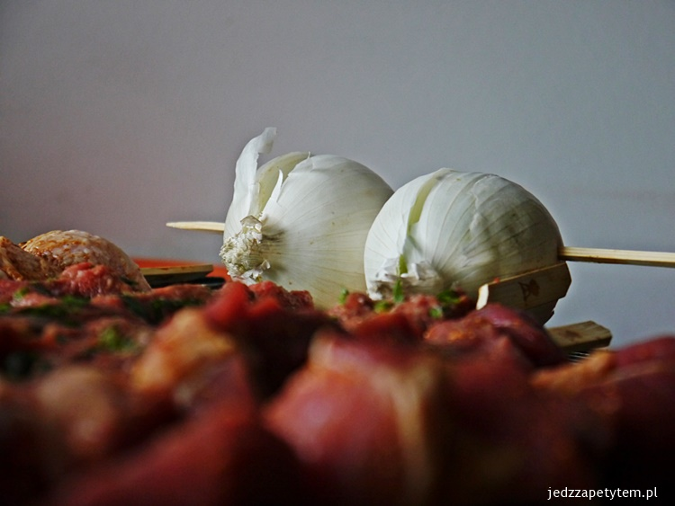 jak grillować cebulę