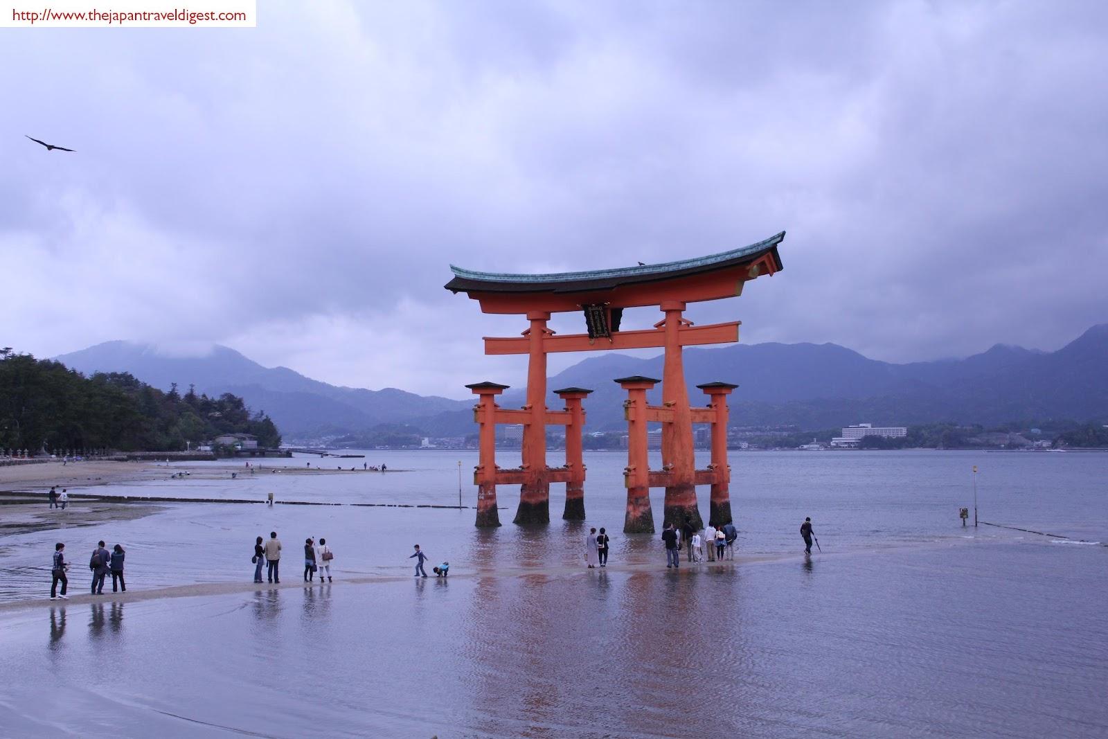 The Japan Travel Digest: Itsukushima Shinto Shrine ...