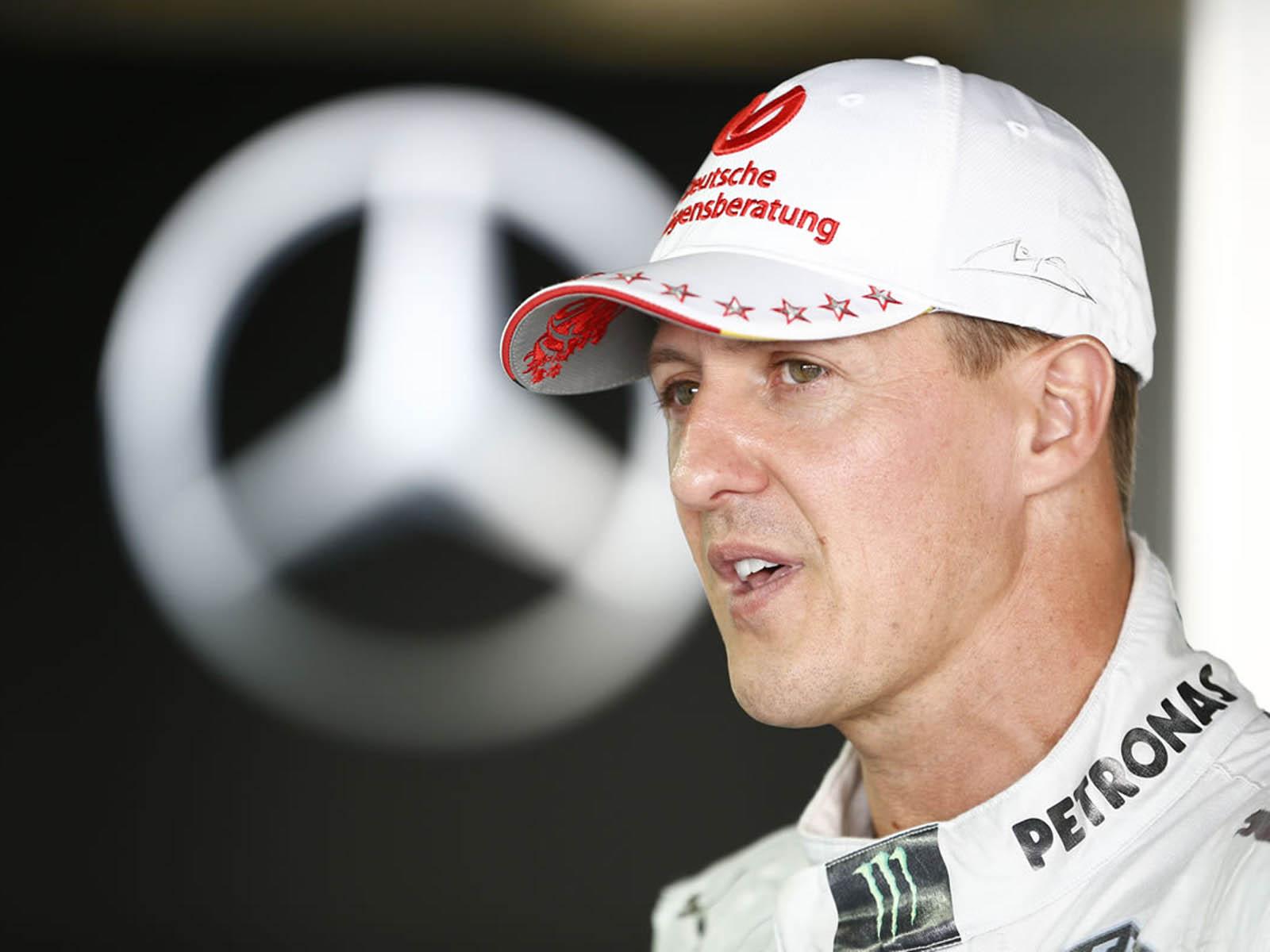 http://1.bp.blogspot.com/-xaVQ48FON2o/US9h0bH3lXI/AAAAAAAAT34/JhQErkf1cFw/s1600/Formula+1+Racer+Michael+Schumacher+Wallpapers+02.jpg