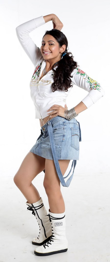 Ragini Dwivedi Cute Photoshoot Pics