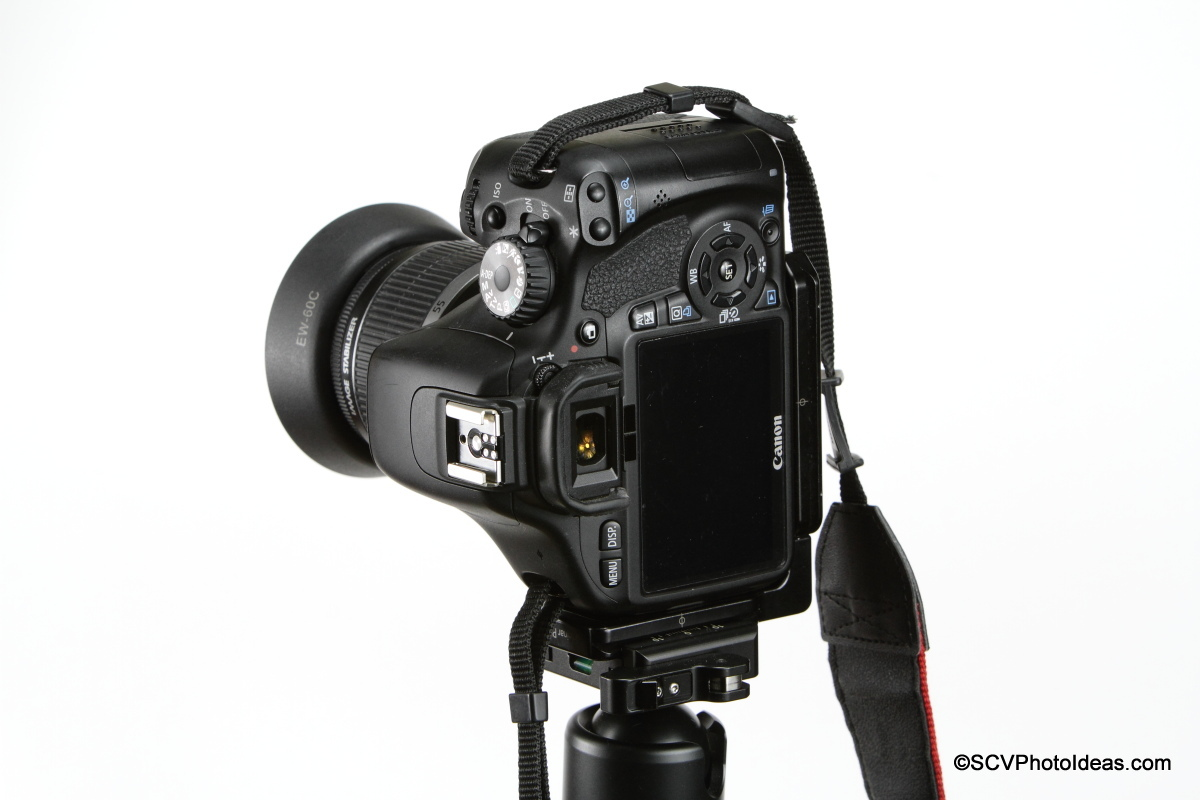 Hejnar L Bracket 22 on Canon EOS 550D flush- clamped portrait