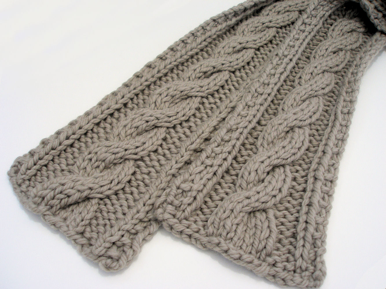 Free Crochet Pattern For Cable Scarf : cable knit scarf patterns knitting Car Tuning