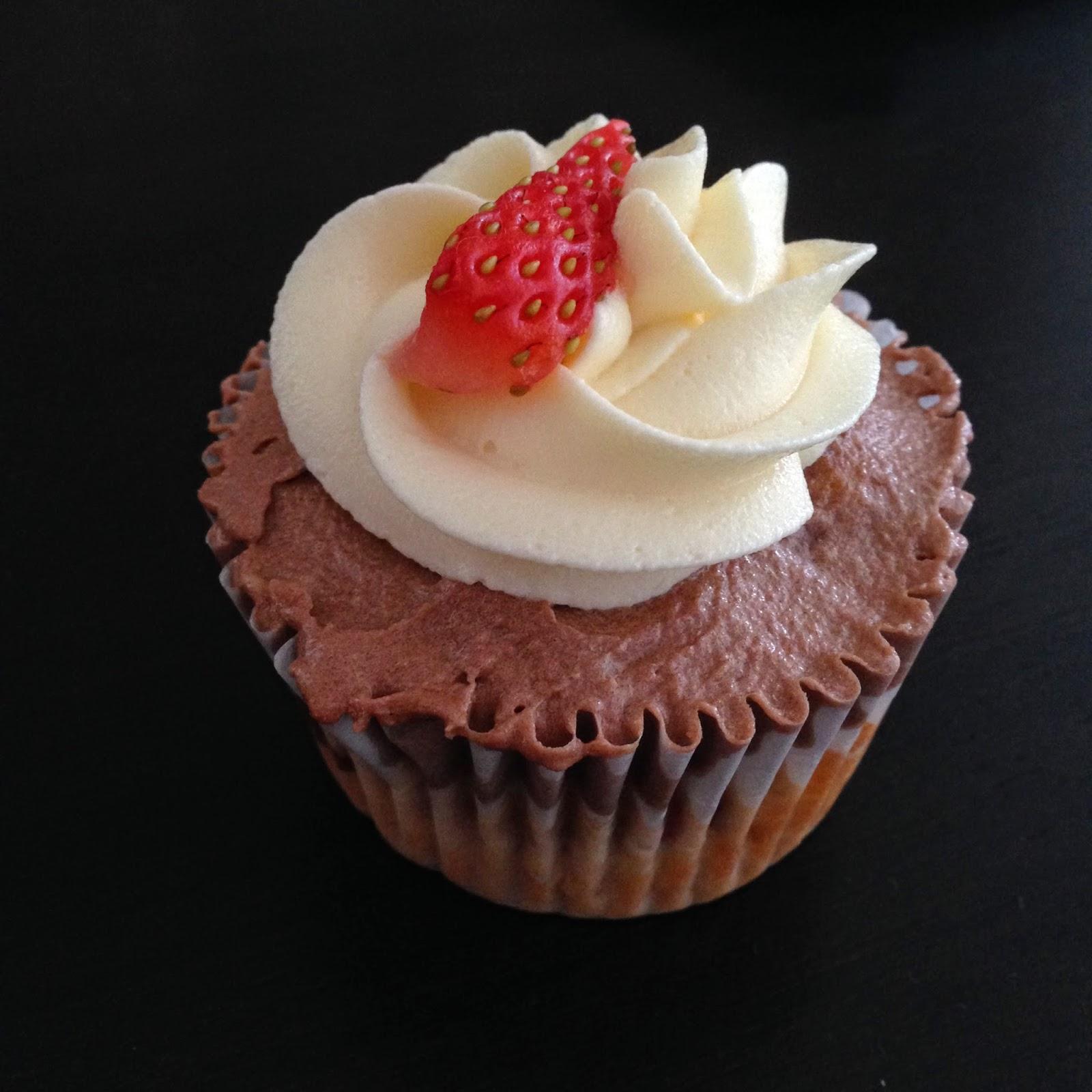 Neapolitan cupcake by SheaSonia