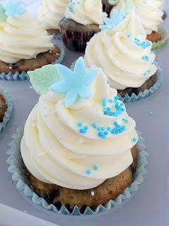 Mustikka-vanilja cupcakes