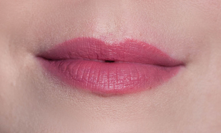 Bourjois Rouge Edition Velvet lipcream in Nude-ist review