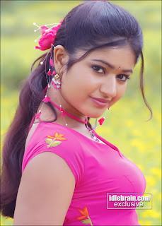 New Tamil Actress With Red Ganji