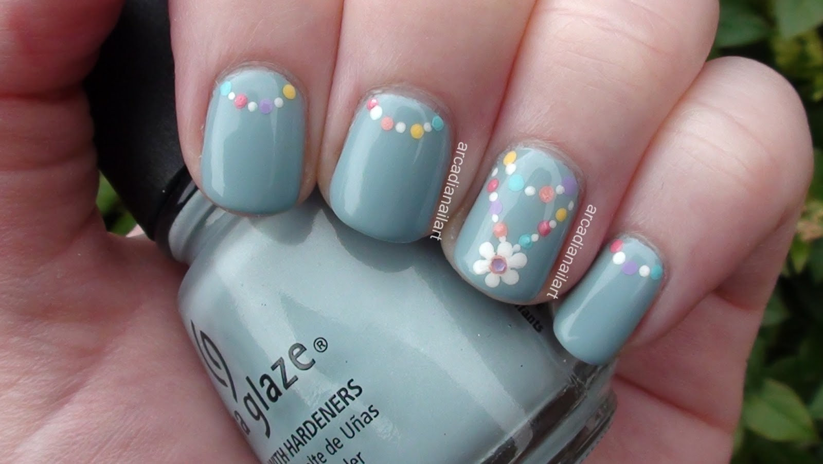 Simple Flower Chain Nail Art Daylight