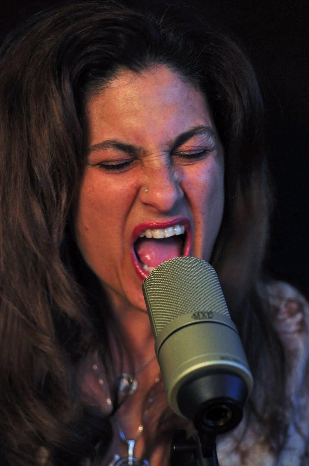 singer%2B1.jpg