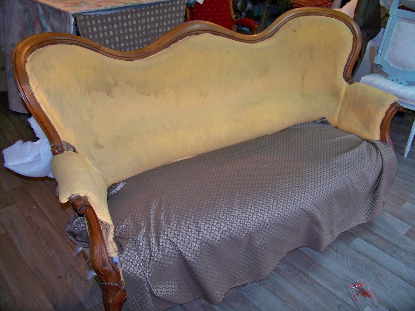 tapissier decorateur canap louis philippe. Black Bedroom Furniture Sets. Home Design Ideas