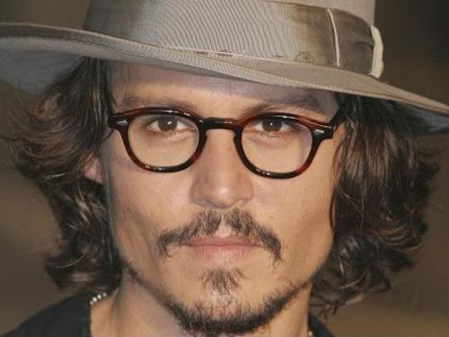 http://1.bp.blogspot.com/-xcVRgcYIuvk/T5kT4ONRWeI/AAAAAAAACVA/NTRbiSF35QI/s1600/Johnny+Depp_.jpg