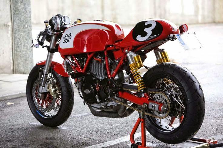 Modifikasi Ducati Sport Classic 1000 Merah
