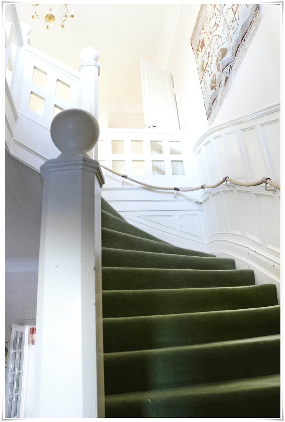 På vår udde: jag föll för trappan