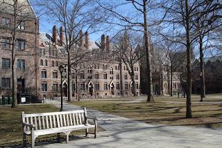 http://1.bp.blogspot.com/-xcqMuA-8X3g/TklXb2bMtRI/AAAAAAAABNE/2RWoO2n8aw8/s320/Yale+University+%25285%2529.jpg