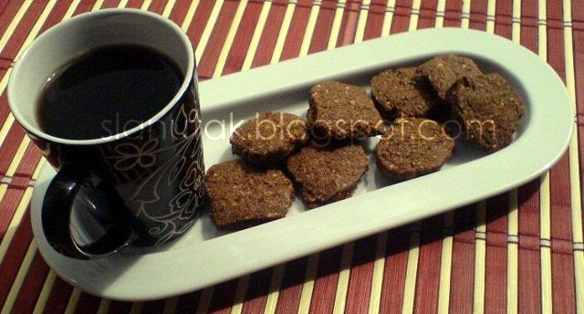 veganski nutella keksi i crni čaj (C) Enola Knezevic 2012