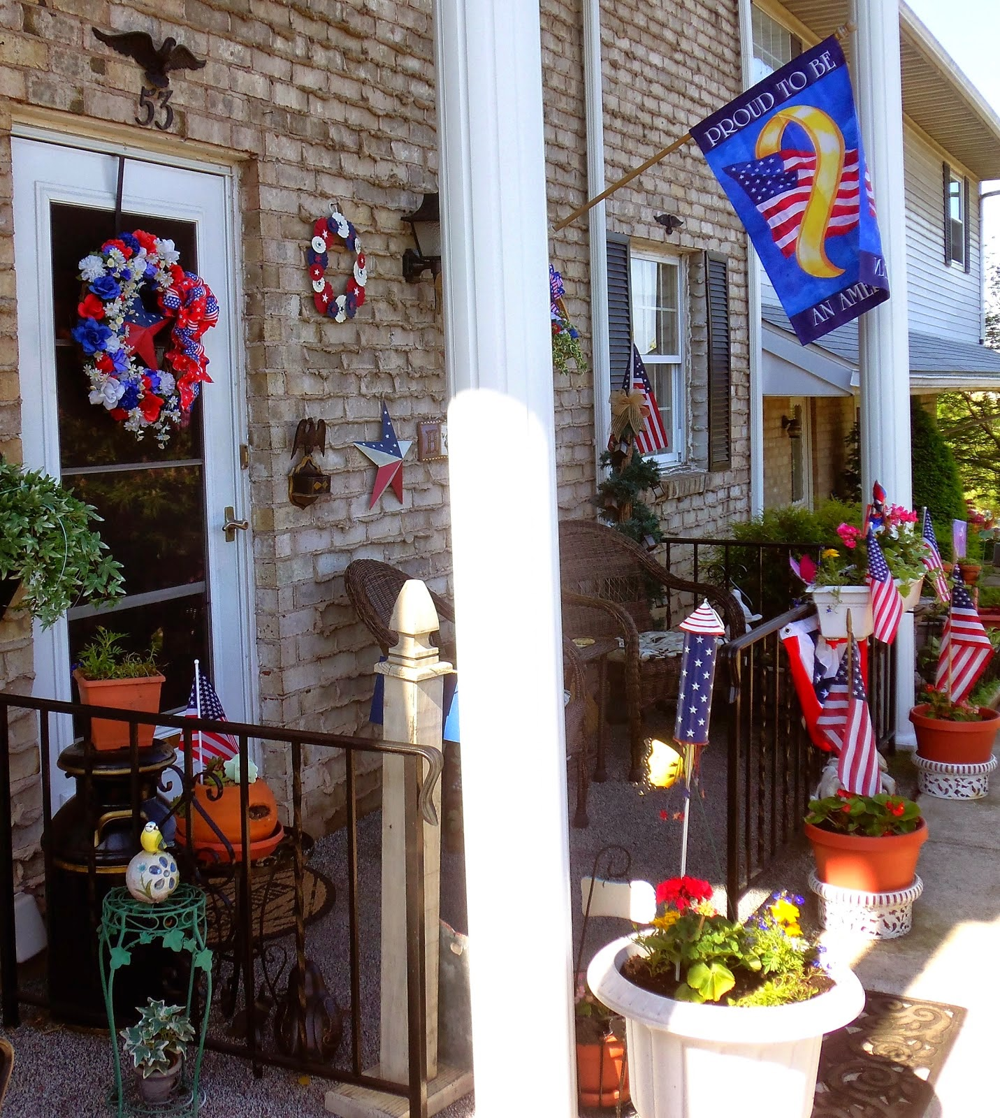 Patriotic Front Porch & Yard 2014