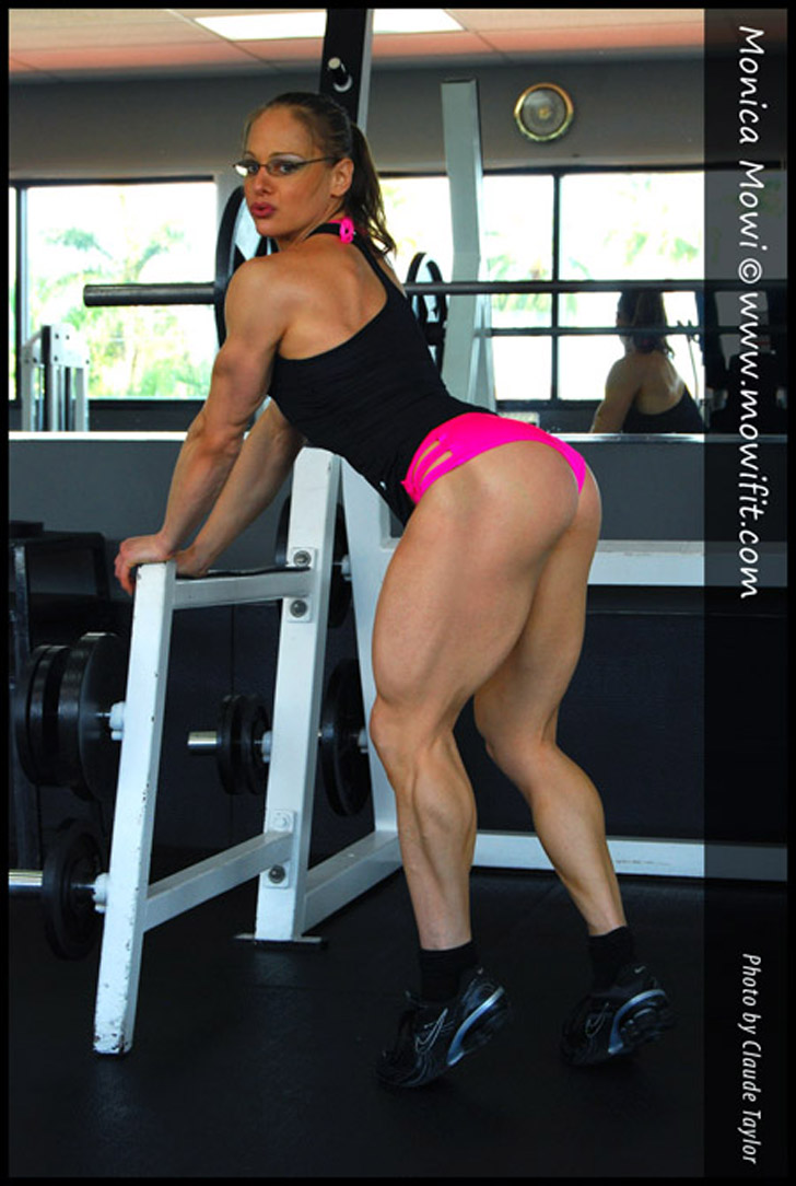Monica Mollica Modeling Her Muscular Legs And Great Butt At The Gym