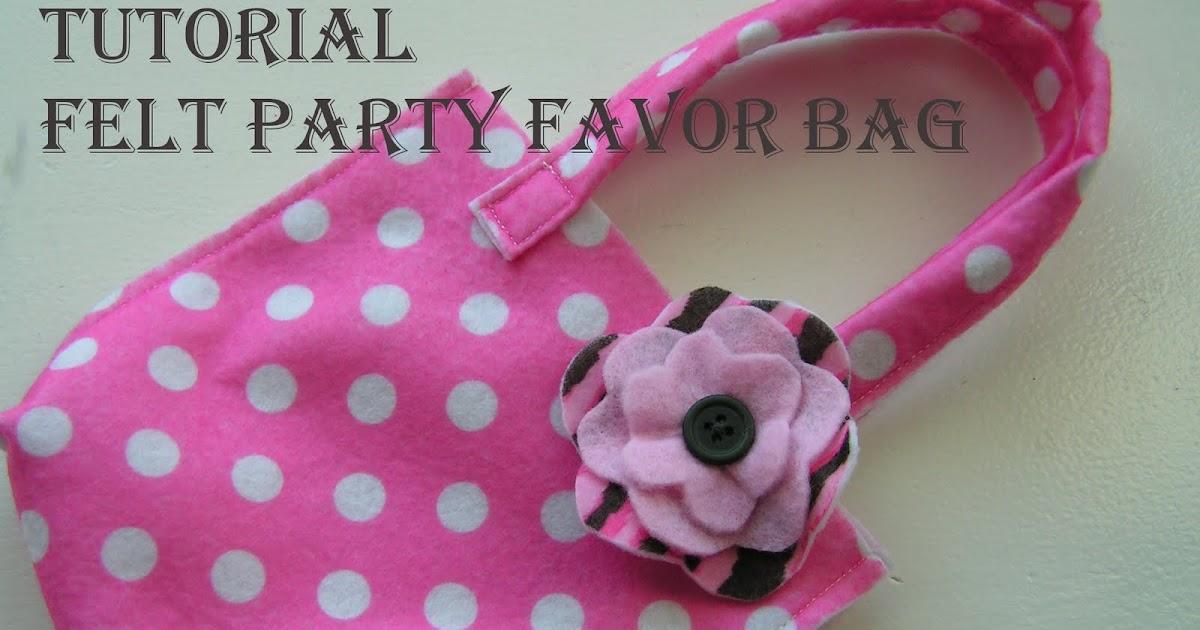tea rose home tutorial felt party favor bag. Black Bedroom Furniture Sets. Home Design Ideas