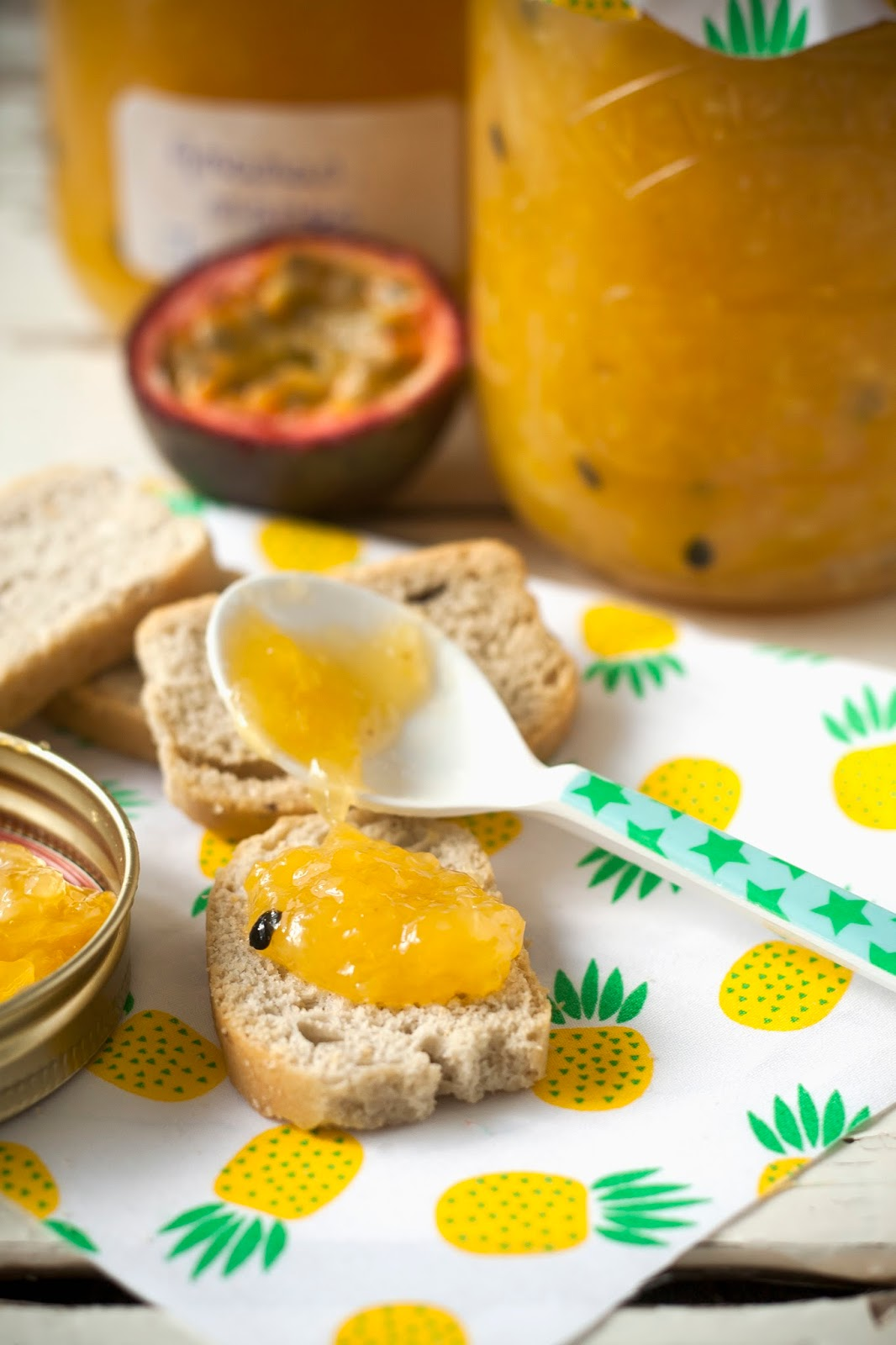 Confiture tropicale met ananas, mango en passievruchten - Hap en Tap