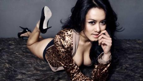 Devi Liu Hot Dan Seksi