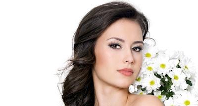 Cara Menghilangkan Bintik Di Wajah Dengan Tiga Bahan Terpopuler