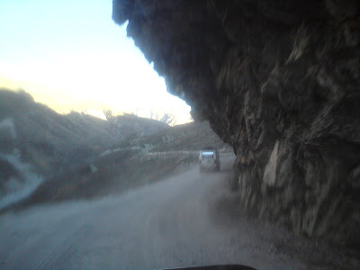 Huge overhead rocks at Joshimath-Badrinath highway