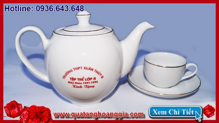 Quà tặng kỷ niệm ngày họp lớp sang trọng và ý nghĩa với một bộ ấm pha trà gốm sứ việt nam cao cấp minh long 1