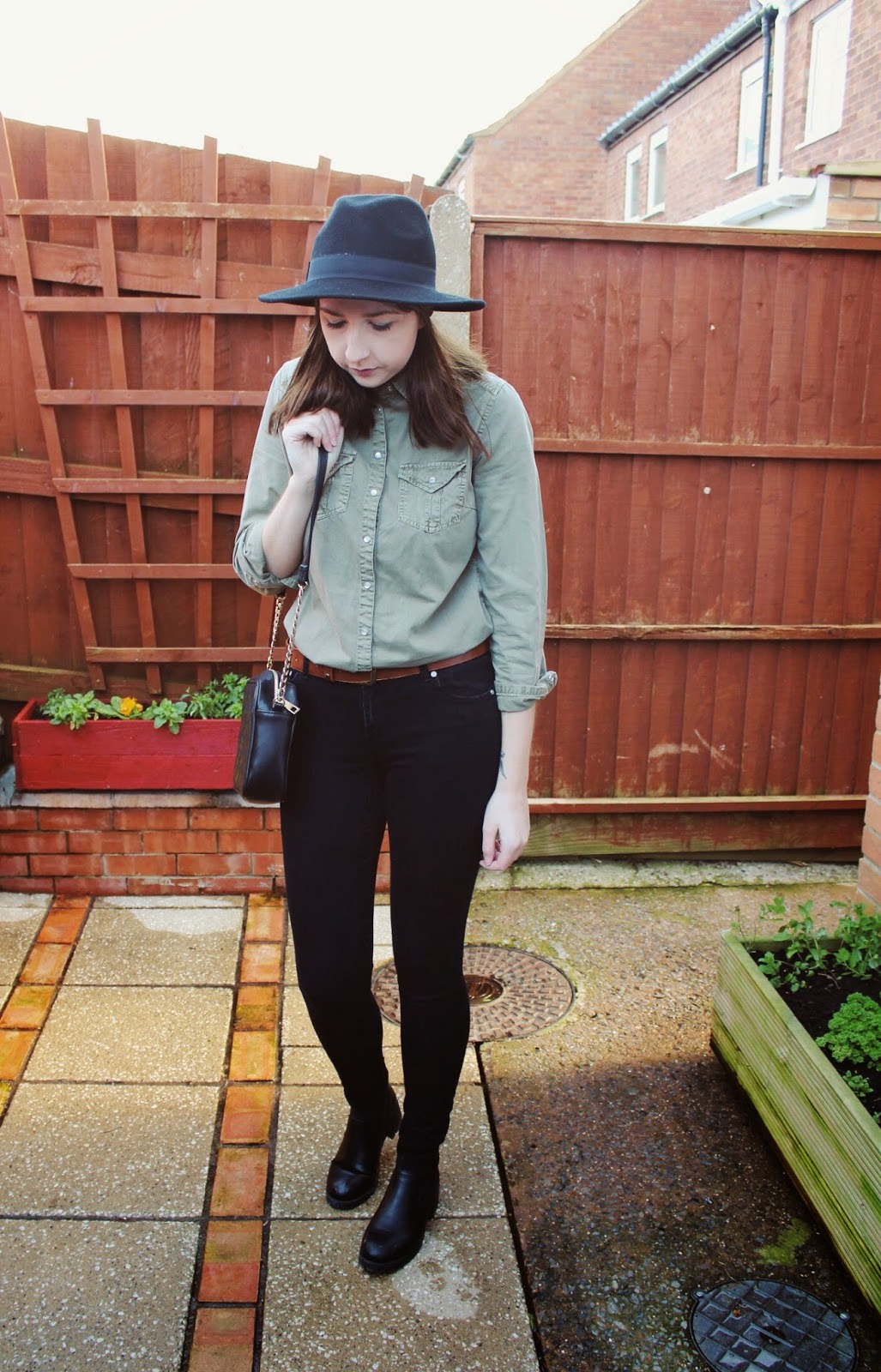 asseenonme, asos, newlook, primark, vintage, wiw, whatimwearing, ootd, outfitoftheday, lotd, lookoftheday, greenshirt, blackjeans, fblogger, fashion, fashionbloggers, fashionblogger