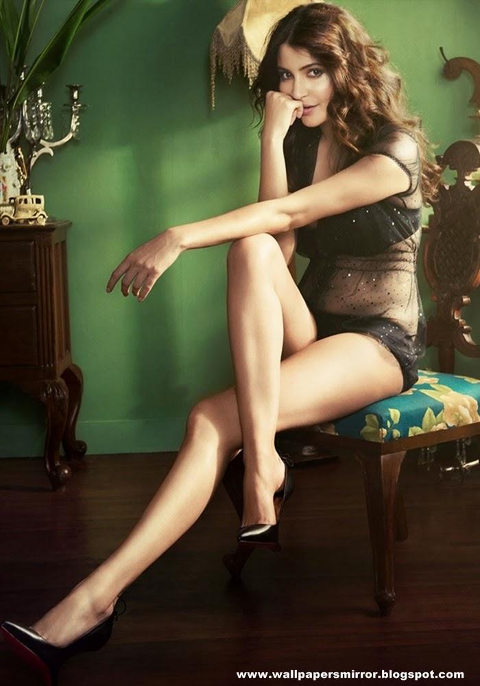 10 Latest Anushka Sharma Hot Photos