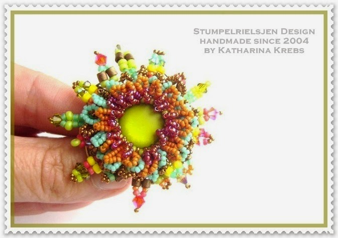 Ring  VivreLaVie Beadwork by Katharina Krebs