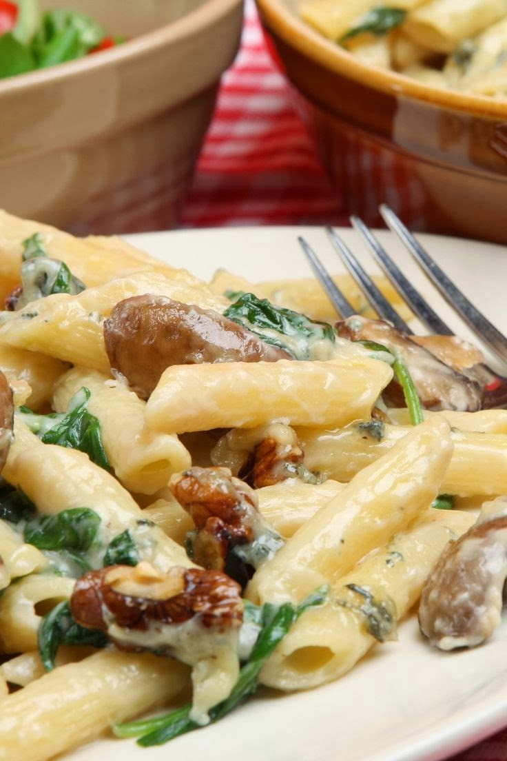 Rigatoni with Creamy Mushroom Sauce | Boy Meets Bowl